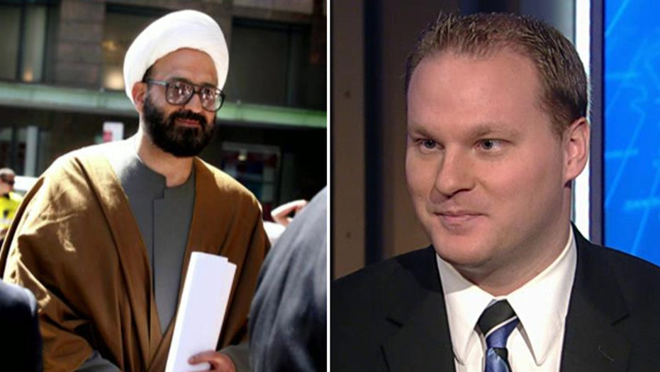 Analyst: 'Shocking' that Sydney gunman not on watch list
