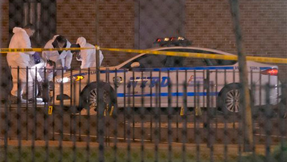 NYPD: Suspect killed 2 officers, shot and killed self