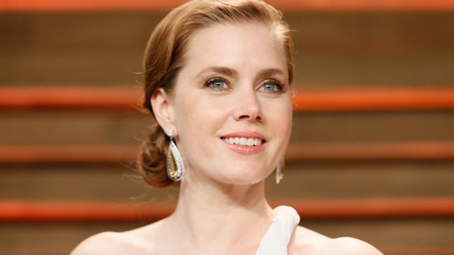 Amy Adams reacts to Wonder Woman