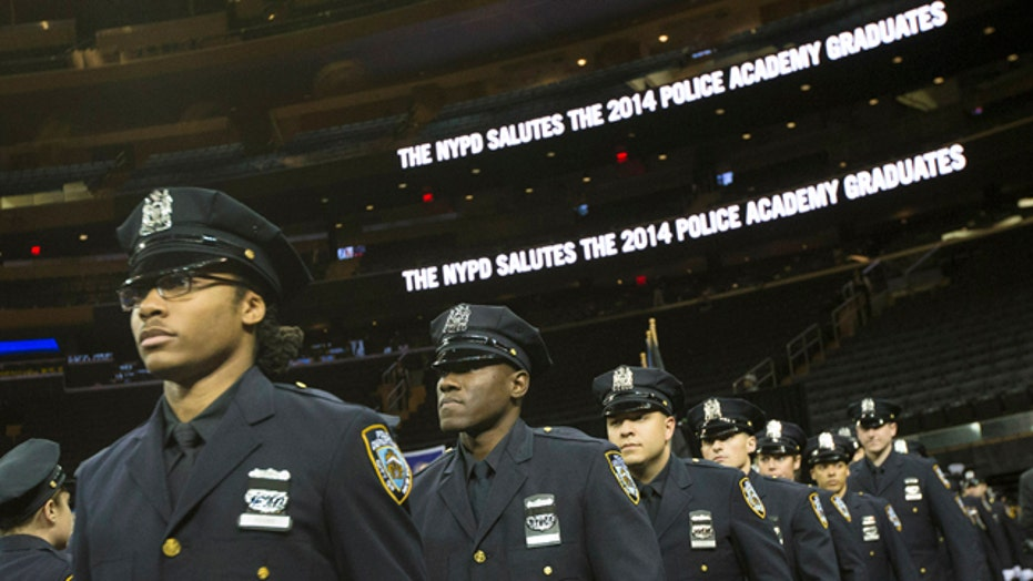 Tough crowd for NYC mayor at ceremony for new NYPD officers