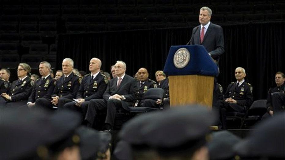 NYC Mayor de Blasio to meet with police unions