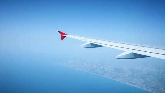 Cheaper airline tickets for summer travel season: some tips