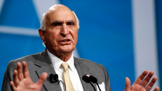 Home Depot's Ken Langone to Bernie Sanders: How much have you given to charity?