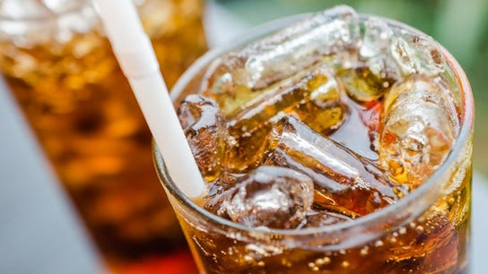 California lawmakers propose soda tax, ban on large sugary drinks