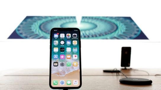 Apple looks to iPhones with cheaper displays