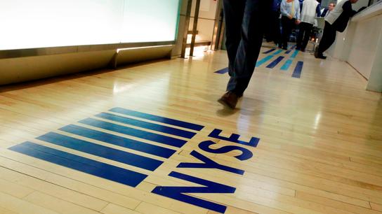 Slumping tech companies weigh on US stocks