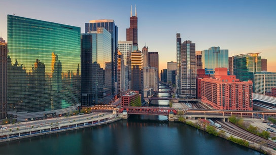 Chicago exodus? Millennials and wealthy are actually moving in