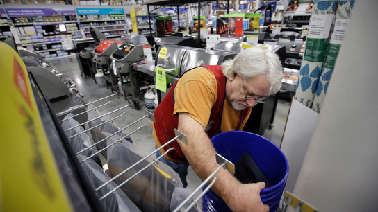 Lowe's 1Q falls flat as extended winter cuts into sales