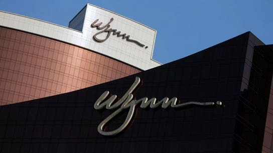 Wynn shareholders reject executive compensation plan
