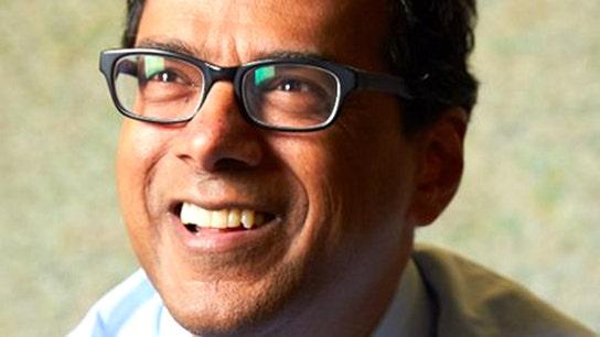 Buffett, Bezos, Dimon find health care CEO in Harvard professor