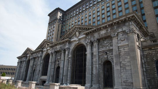 Ford to turn abandoned Detroit train station into technology hub