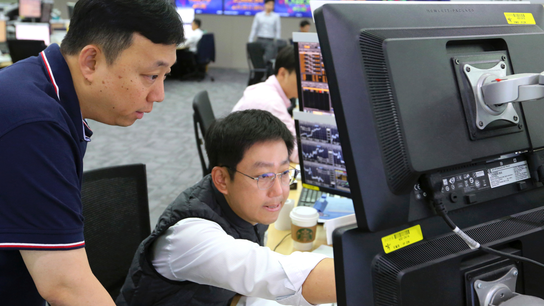 Asian shares mostly higher; Japan's Nikkei up on weak yen