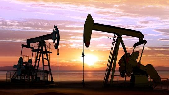 Oil struggles to find footing after 7% slide as outlook darkens
