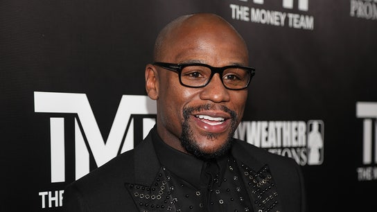 Boxing champ Floyd Mayweather enters fitness ring