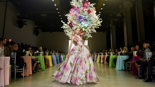 Fashion designer Badgley Mischka: Sales soar on robust US economy