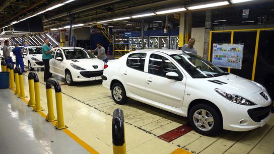 Iran's domestic car market stalls as nuclear deal falters