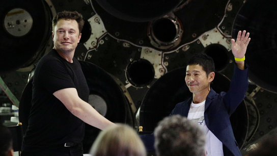 Moonstruck Japan tycoon to blast off on 1st SpaceX trip