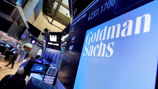 Goldman Sachs 1Q profit, revenue falls