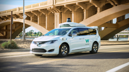 Google's robotic spinoff launches ride-hailing service