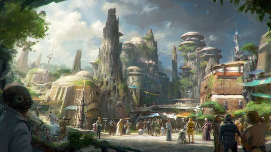 Disneyland's Star Wars flops, now employees getting hours cut: source