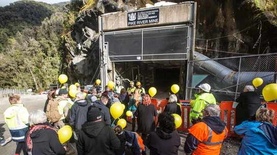 New Zealand crews reenter coal mine 8 years after 29 killed