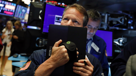 Stocks tumble on trade war anxiety; Dow down as much as 400