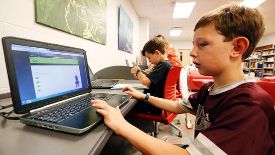 'Homework gap' shows millions of students lack home internet