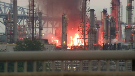 Oil refinery Philadelphia Energy declares bankruptcy after explosion, costing 1,000 workers jobs