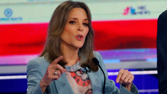 Marianne Williamson raising money for 2020 rival