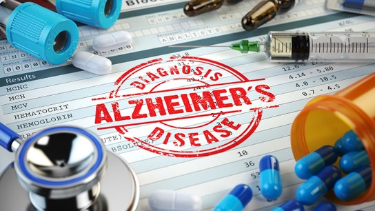 New Alzheimer's early-detection test, vaccine show promise: Dr. Marc Siegel