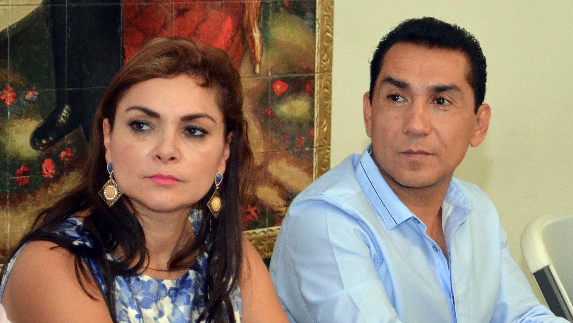 José Luis Abarca and his wife María de los Angeles Pineda Villa.