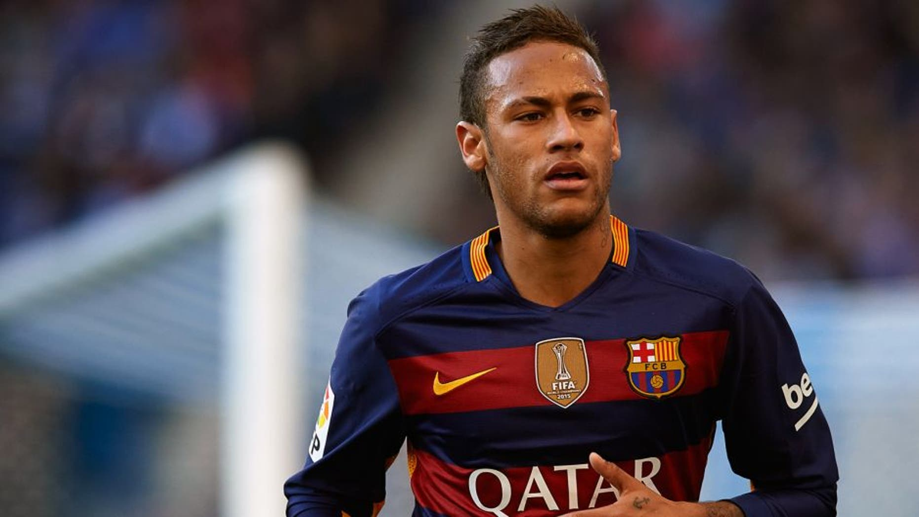BARCELONA, SPAIN - JANUARY 02: Neymar JR of Barcelona looks on during the La Liga match between Real CD Espanyol and FC Barcelona at Cornella-El Prat Stadium on January 2, 2016 in Barcelona, Spain. (Photo by Manuel Queimadelos Alonso/Getty Images)