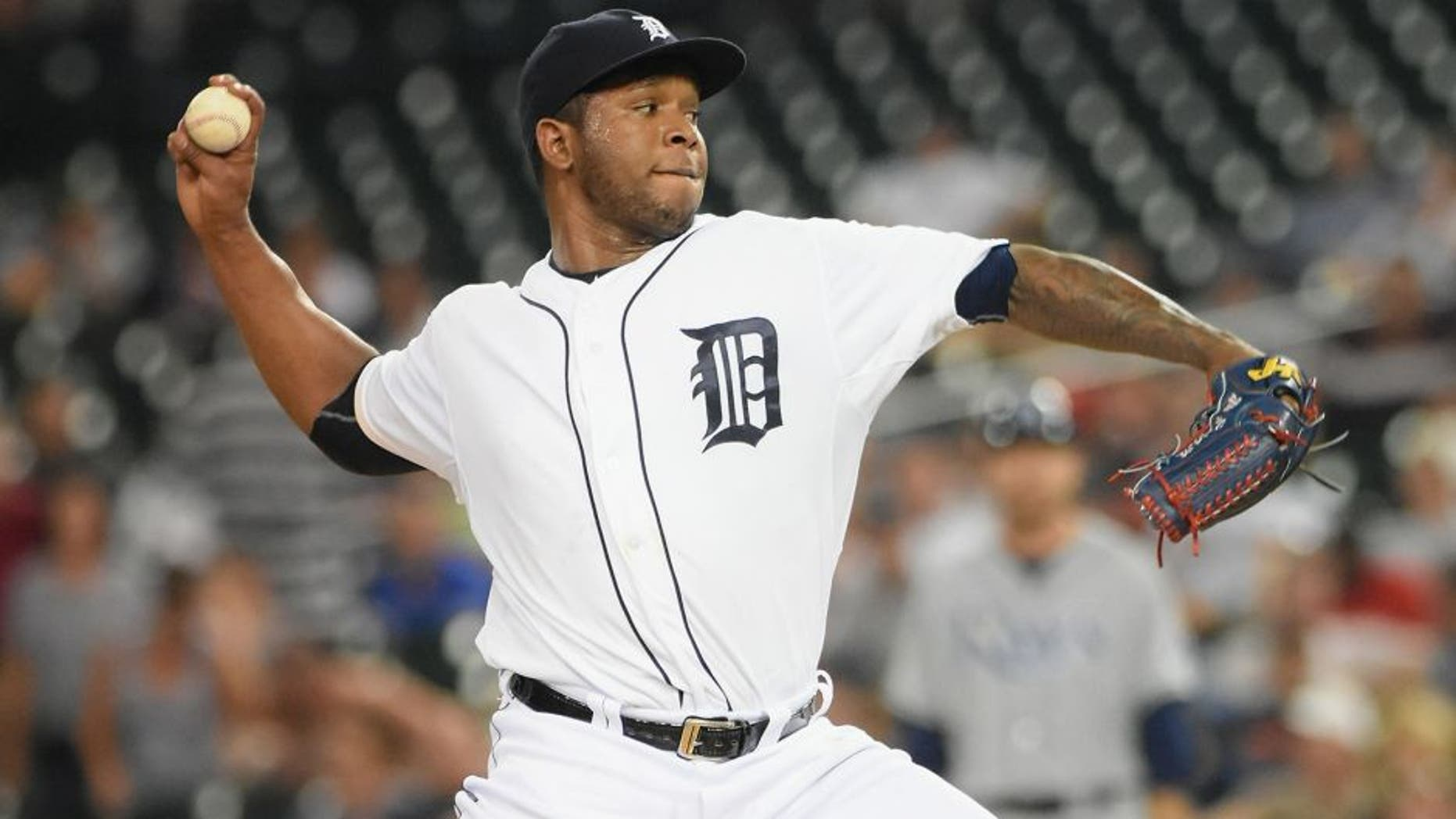 DETROIT, MI - SEPTEMBER 08: Neftali Feliz #39 of the Detroit Tigers pitches during the game against the Tampa Bay Rays at Comerica Park on September 8, 2015 in Detroit, Michigan. The Tigers defeated the Rays 8-7. (Photo by Mark Cunningham/MLB Photos via Getty Images)