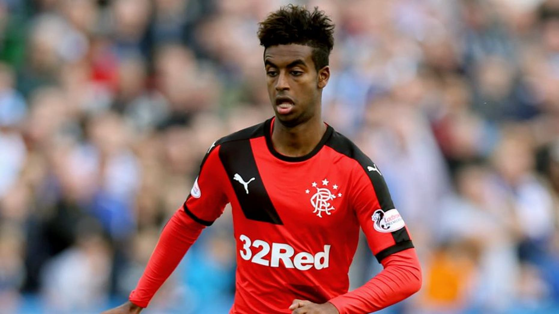 GREENOCK, SCOTLAND - SEPTEMBER 27: Gedion Zelalem of Rangers controls the ball during the Scottish Championships match between Greenock Morton FC and Rangers at Cappielow Park on September 27, 2015 in Greenock, Scotland. (Photo by Ian MacNicol/Getty images)