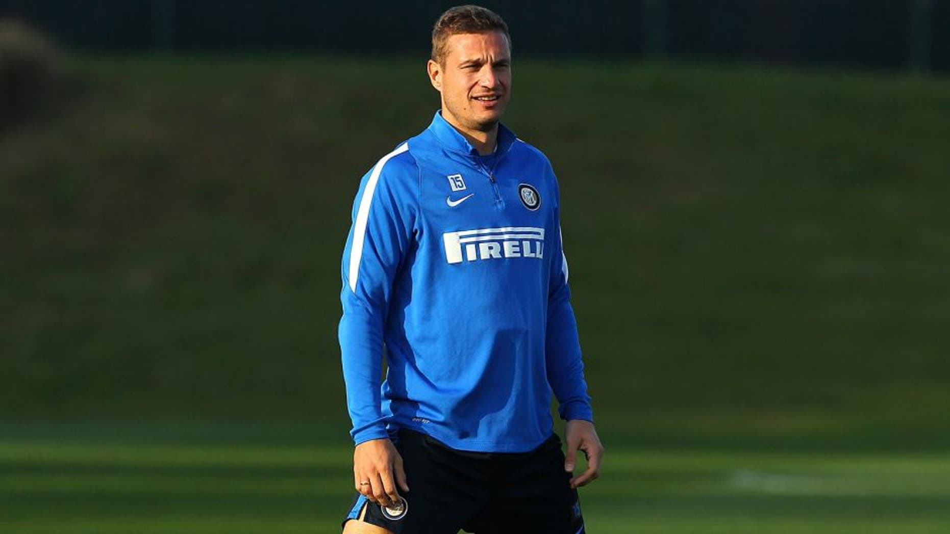 COMO, ITALY - NOVEMBER 12: Nemanja Vidic of FC Internazionale Milano looks on during FC Internazionale training session at the club's training ground on November 12, 2015 in Appiano Gentile Como, Italy. (Photo by Marco Luzzani - Inter/Inter via Getty Images)