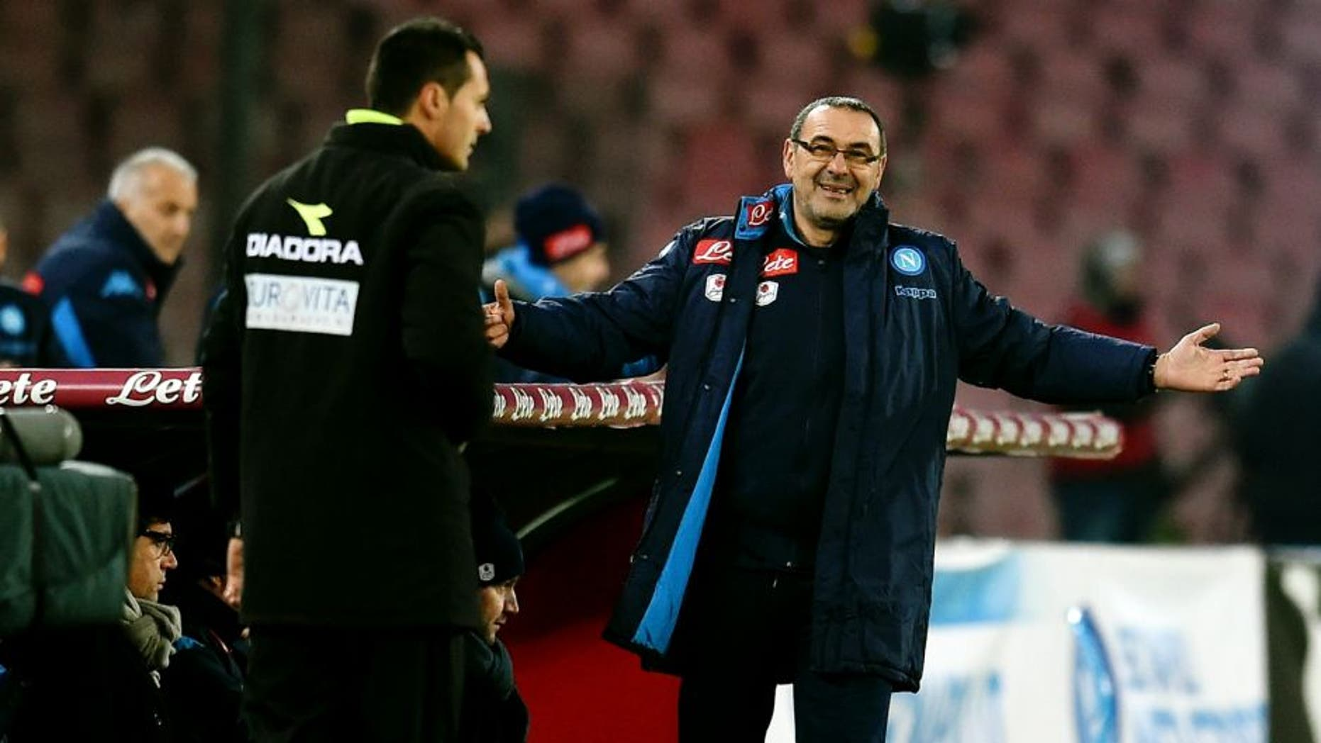NAPLES, ITALY - JANUARY 19: Head coach FC Internazionale Roberto Mancini (L) and head coach SSC Napoli Maurizio Sarri react during the TIM Cup match between SSC Napoli and FC Internazionale Milano at Stadio San Paolo on January 19, 2016 in Naples, Italy. (Photo by Claudio Villa - Inter/Inter via Getty Images)