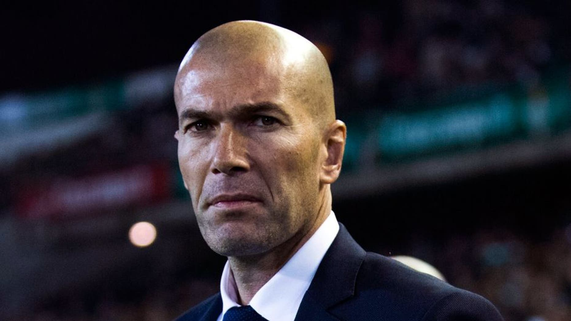 SEVILLE, SPAIN - JANUARY 24: Head coach Zinedine Zidane of Real Madrid CF looks on prior to start the La Liga match between Real Betis Balompie and Real Madrid CF at Estadio Benito Villamarin on January 24, 2016 in Seville, Spain. (Photo by Gonzalo Arroyo Moreno/Getty Images)
