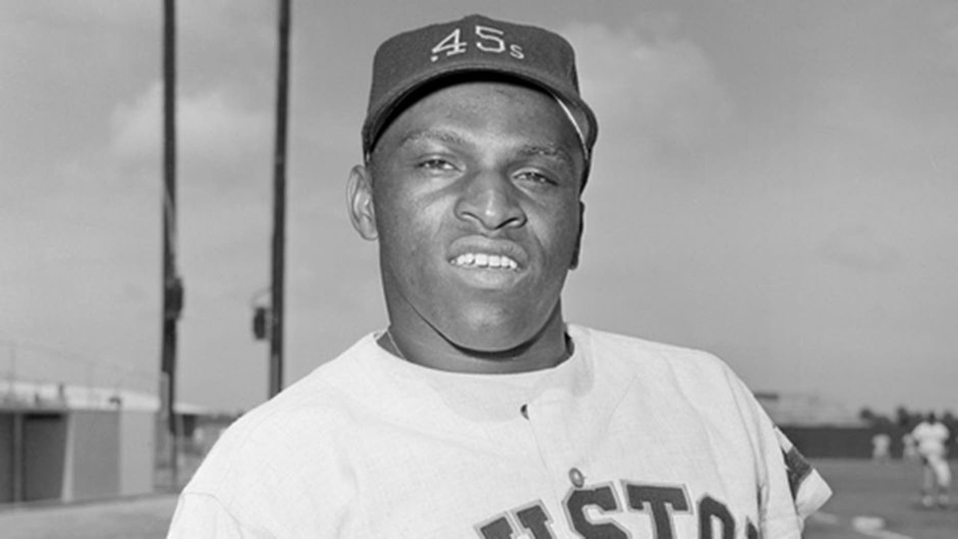 """FILE - In this March 8, 1964, file photo, Walt Williams, outfielder for the the Houston Colt .45s poses. Williams, an outfielder who played for four major league teams in the 1960s and '70s and was best known for his nickname """"No Neck,"""" has husband died of a heart attack Saturday, Jan. 23, 2016, in Abilene,Texas, his wife, Ester, said. He was 72. (AP Photo/Jim Kerlin, File)"""