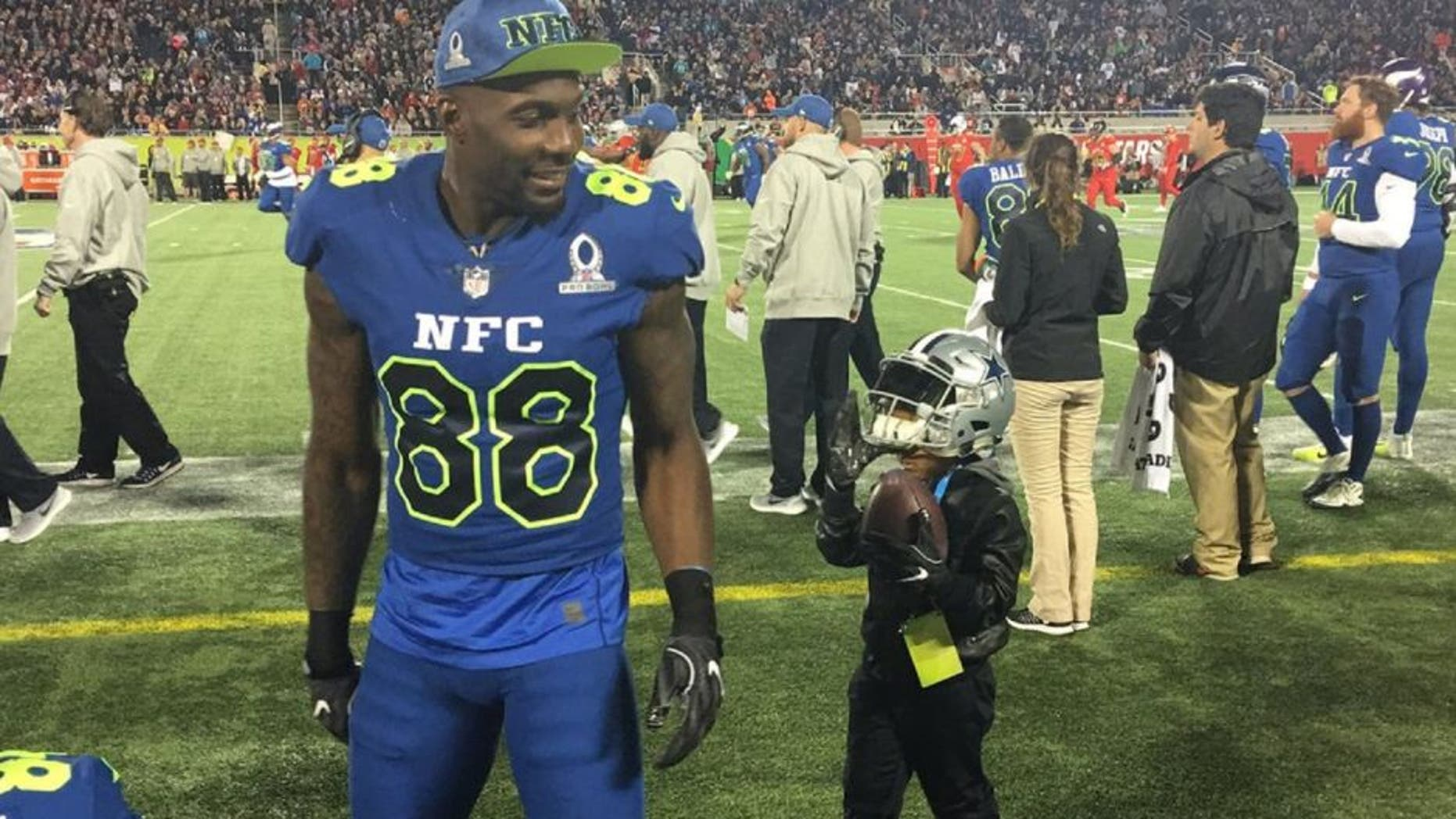 Dez Bryant S Son Was A Big Hit At The Pro Bowl Fox News