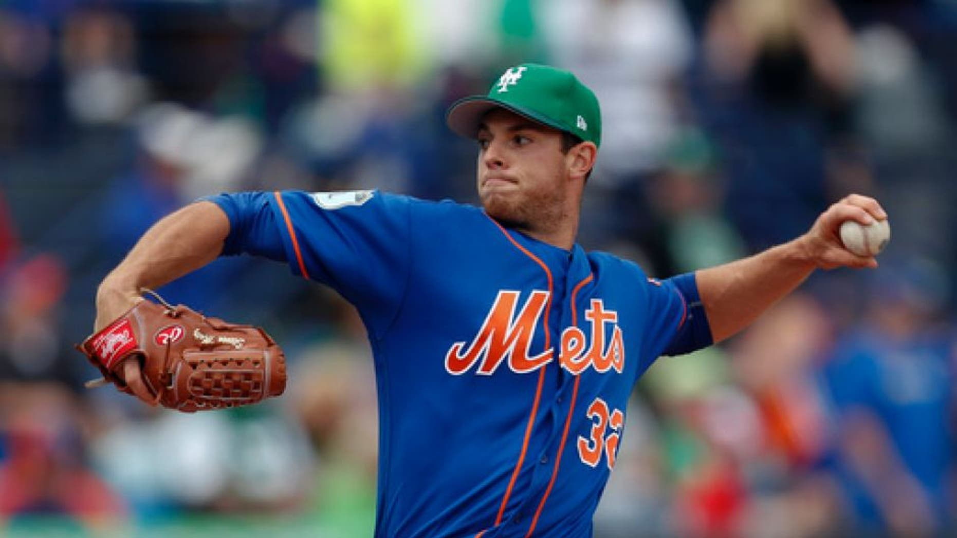 New York Mets starting pitcher Steven Matz works in the first inning of a spring training baseball game against the St. Louis Cardinals Friday, March 17, 2017, in Port St. Lucie, Fla. (AP Photo/John Bazemore)