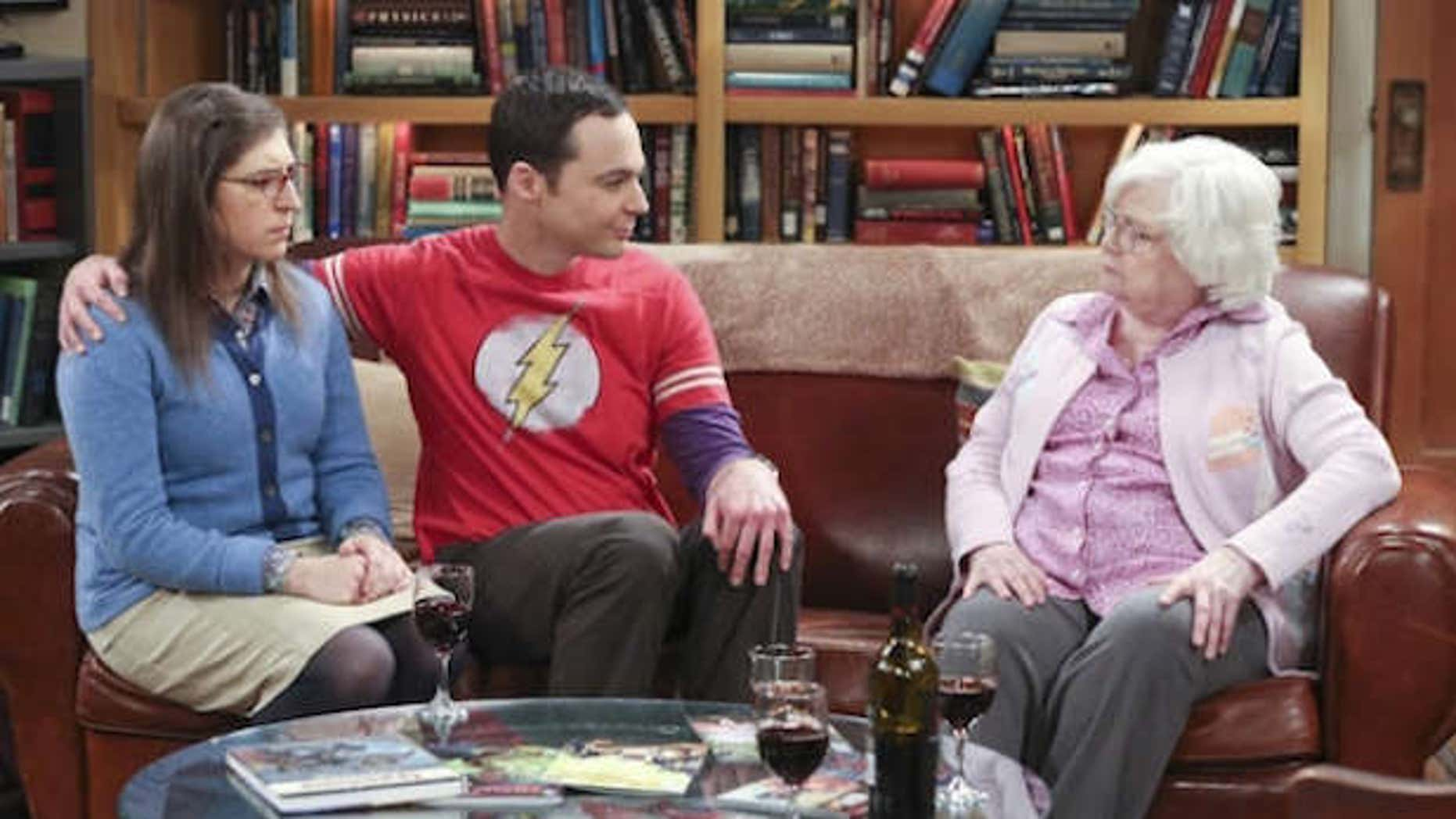 Sheldon (Jim Parsons) and Amy (Mayim Bialik) tussle with Meemaw (June Squibb).