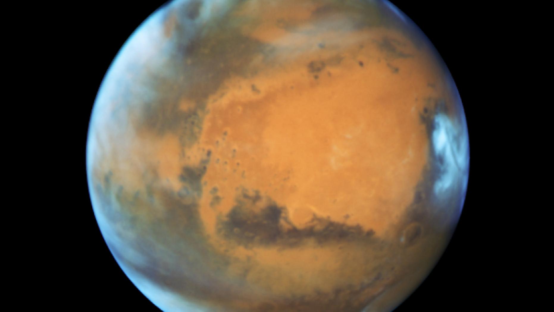 Mars in opposition 2016.