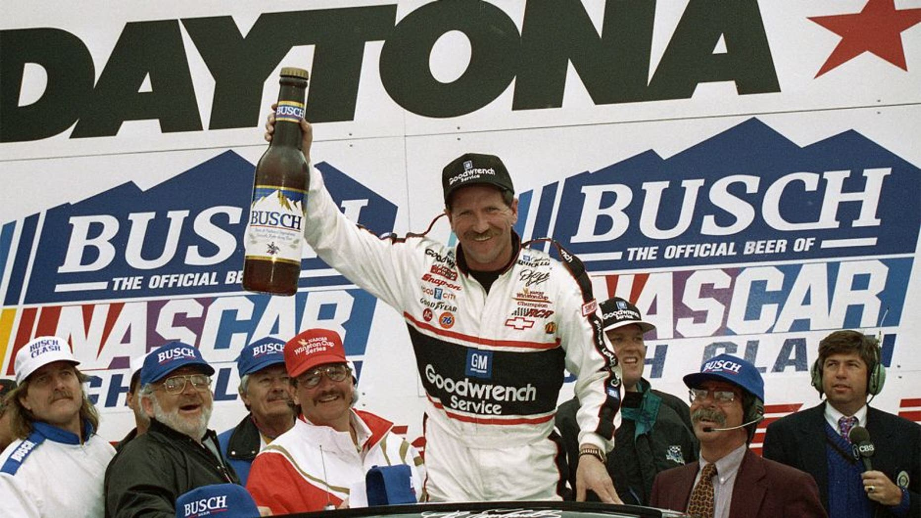 DAYTONA BEACH, FL - FEBRUARY 12, 1995: Dale Earnhardt started 9th and won the 1995 Busch Clash at Daytona. He won $57,500. (Photo by ISC Archives via Getty Images)