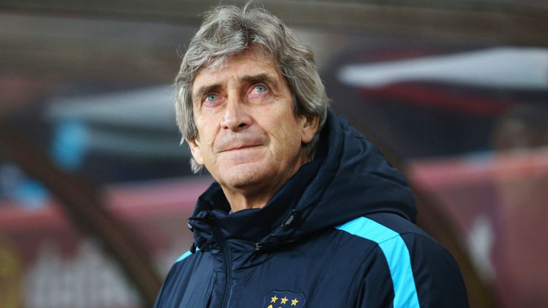 SUNDERLAND, ENGLAND - FEBRUARY 02: Manuel Pellegrini, manager of Manchester City looks on prior to the Barclays Premier League match between Sunderland and Manchester City at the Stadium of Light on February 2, 2016 in Sunderland, England. (Photo by Ian MacNicol/Getty Images)