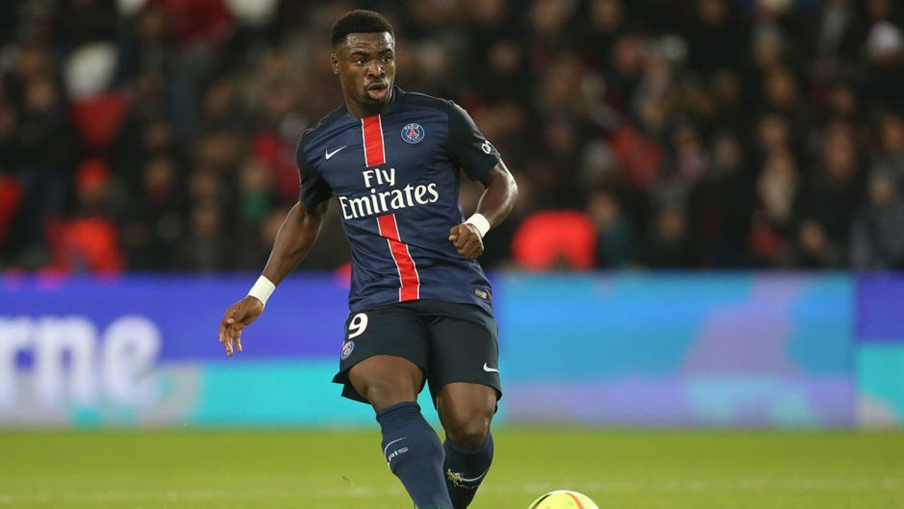 PARIS, FRANCE - JANUARY 23: Serge Aurier of PSG in action during the French Ligue 1 match between Paris Saint-Germain (PSG) and SCO Angers at Parc des Princes stadium on January 23, 2016 in Paris, France. (Photo by Jean Catuffe/Getty Images)