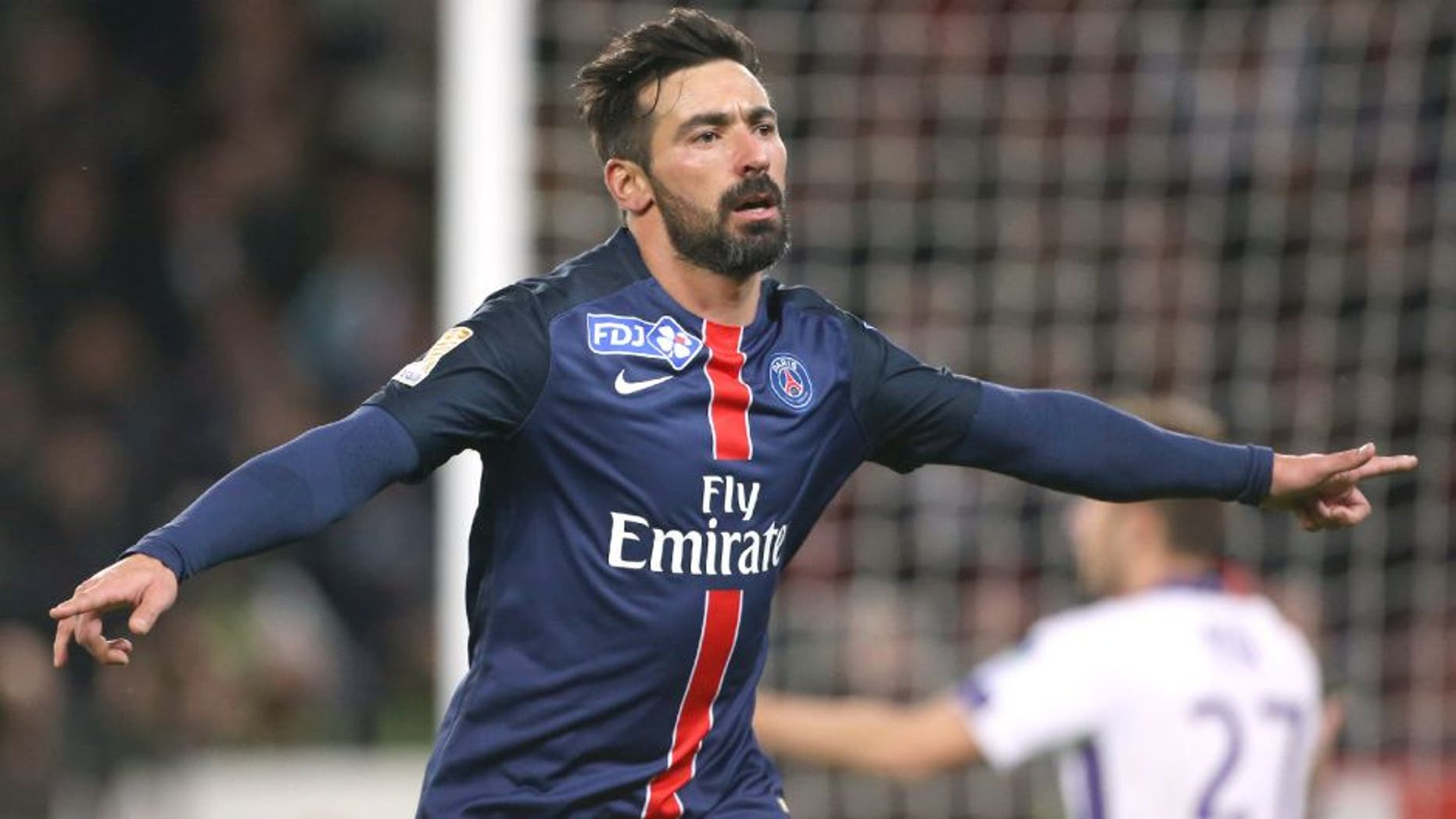 PARIS, FRANCE - JANUARY 27: Ezequiel Lavezzi of PSG celebrates his goal during the French League Cup (Coupe de la Ligue) match between Paris Saint-Germain (PSG) and Toulouse FC (TFC) on January 27, 2016 in Paris, France. (Photo by Jean Catuffe/Getty Images)
