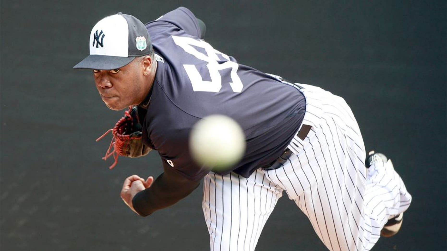 Feb 23, 2016; Tampa, FL, USA; New York Yankees relief pitcher Aroldis Chapman (54) pitches in the bullpen at George M. Steinbrenner Field. Mandatory Credit: Kim Klement-USA TODAY Sports