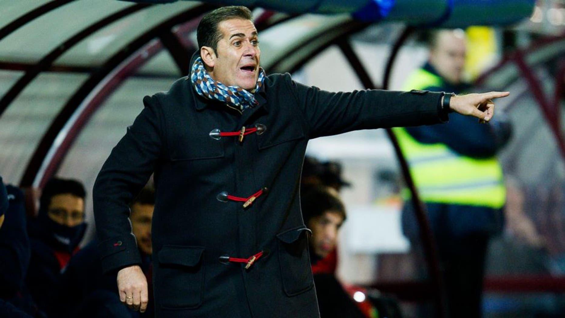 EIBAR, SPAIN - JANUARY 18: Head coach Jose Ramon Sandoval of Granada CF reacts during the La Liga match between SD Eibar and Granada CF at Ipurua Municipal Stadium on January 18, 2016 in Eibar, Spain. (Photo by Juan Manuel Serrano Arce/Getty Images)