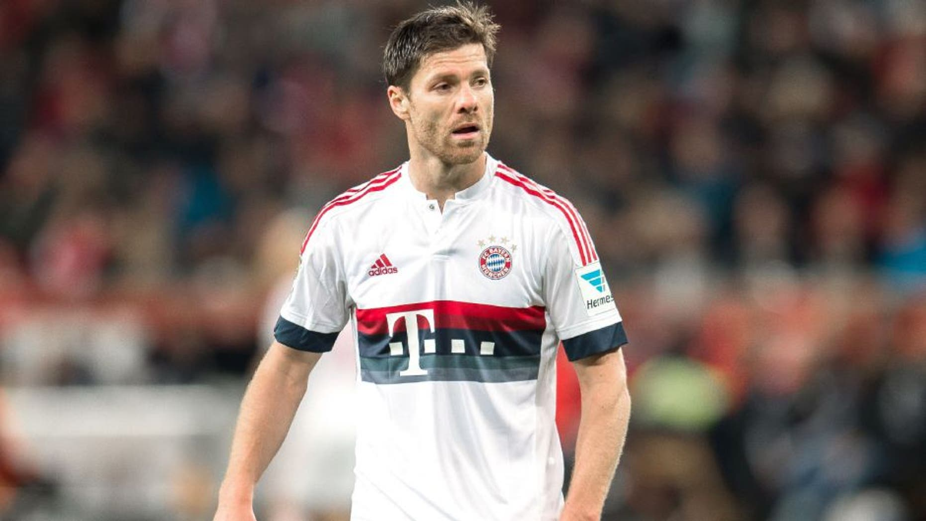 Xabi Alonso of Bayern Munich during the Bundesliga match between Bayer 04 Leverkusen and FC Bayern Munich on February 6, 2016 at the BayArena in Leverkusen, Germany.(Photo by VI Images via Getty Images)