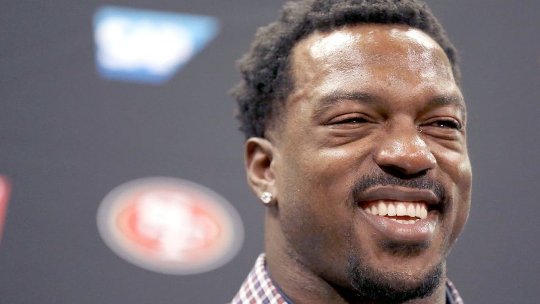 San Francisco 49ers linebacker Patrick Willis speaks at a news conference at the 49ers' NFL football facility in Santa Clara, Tuesday, March 10, 2015. Willis, a seven-time Pro Bowler, will retire after his 2014 season was cut short by a toe injury that required surgery, the 49ers announced, Tuesday. (AP Photo/Jeff Chiu)